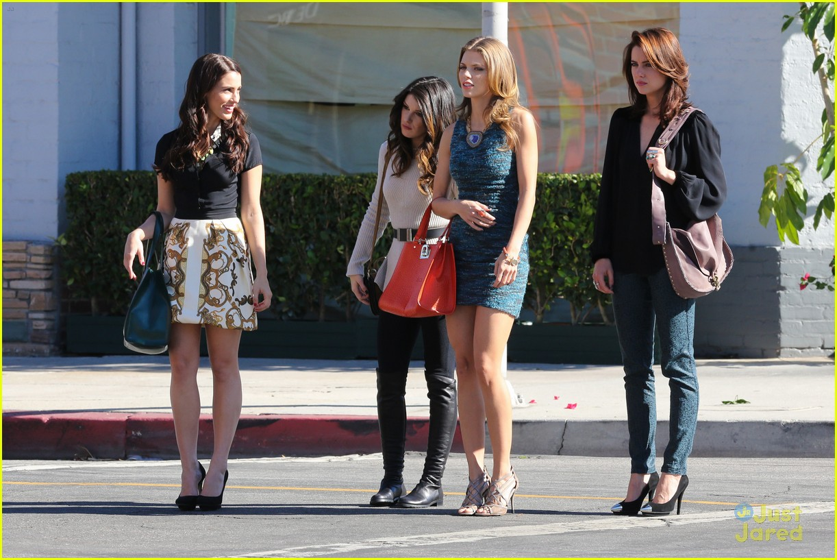 shenae jessica annalynne 90210 filming 01