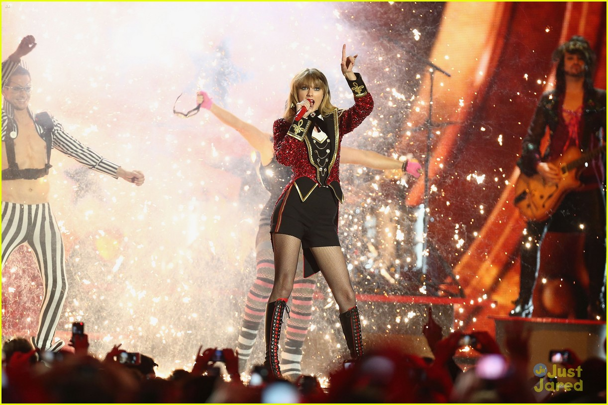 taylor swift 2012 mtv emas 05