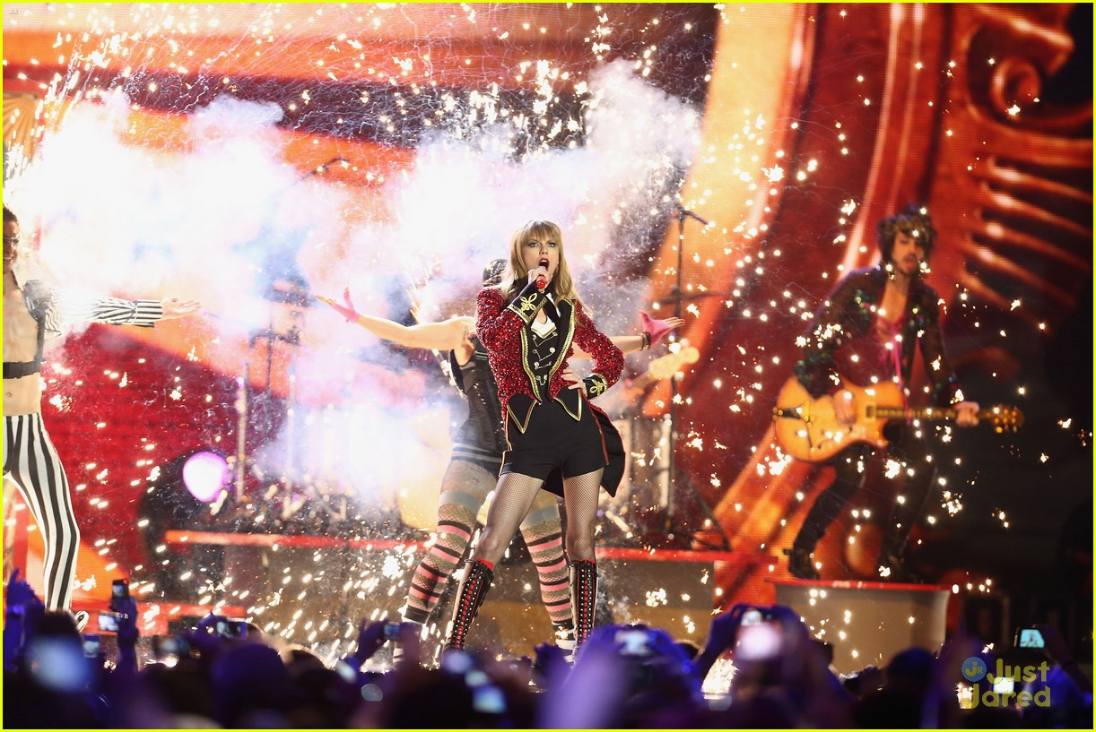 taylor swift 2012 mtv emas 12