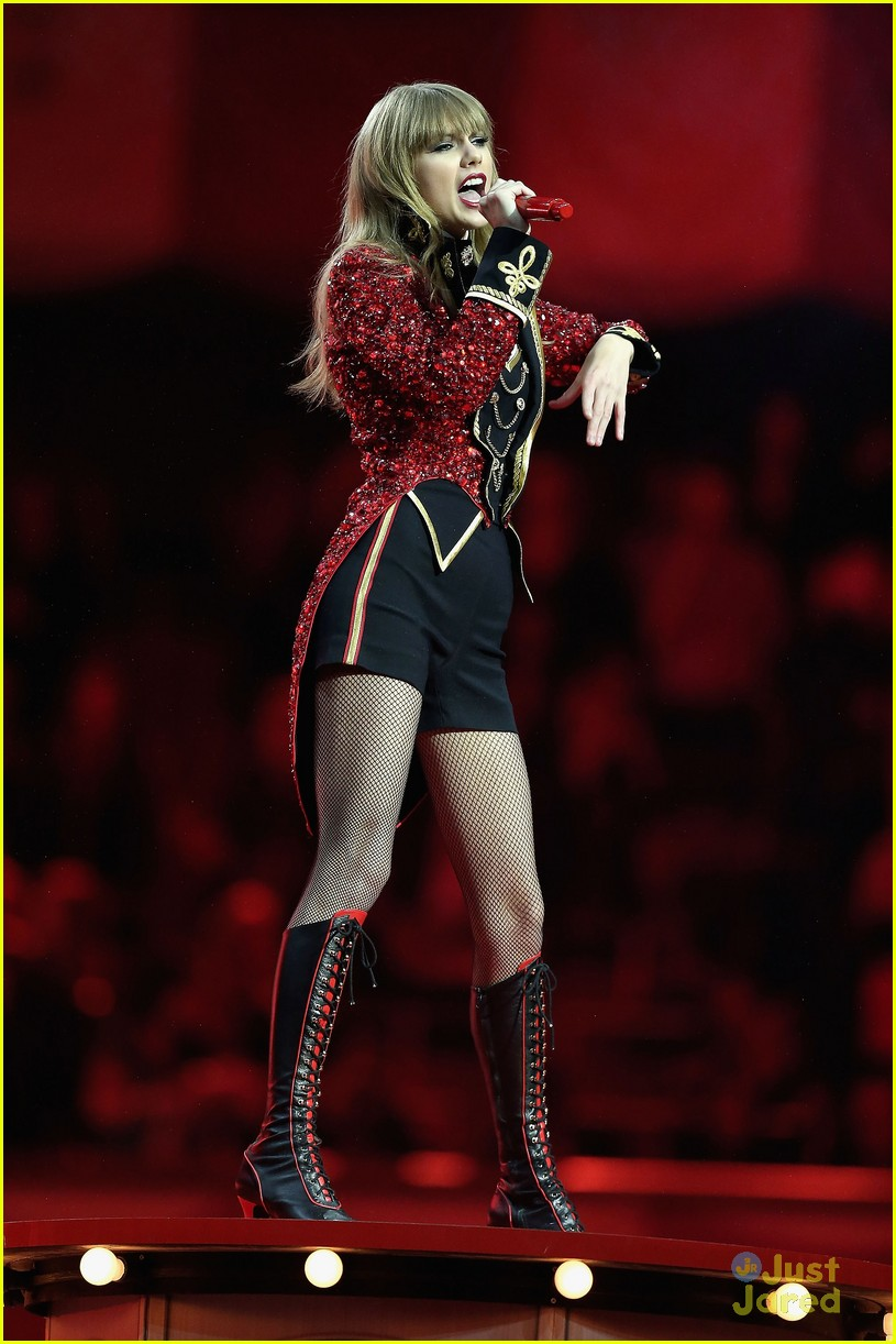 taylor swift 2012 mtv emas 23