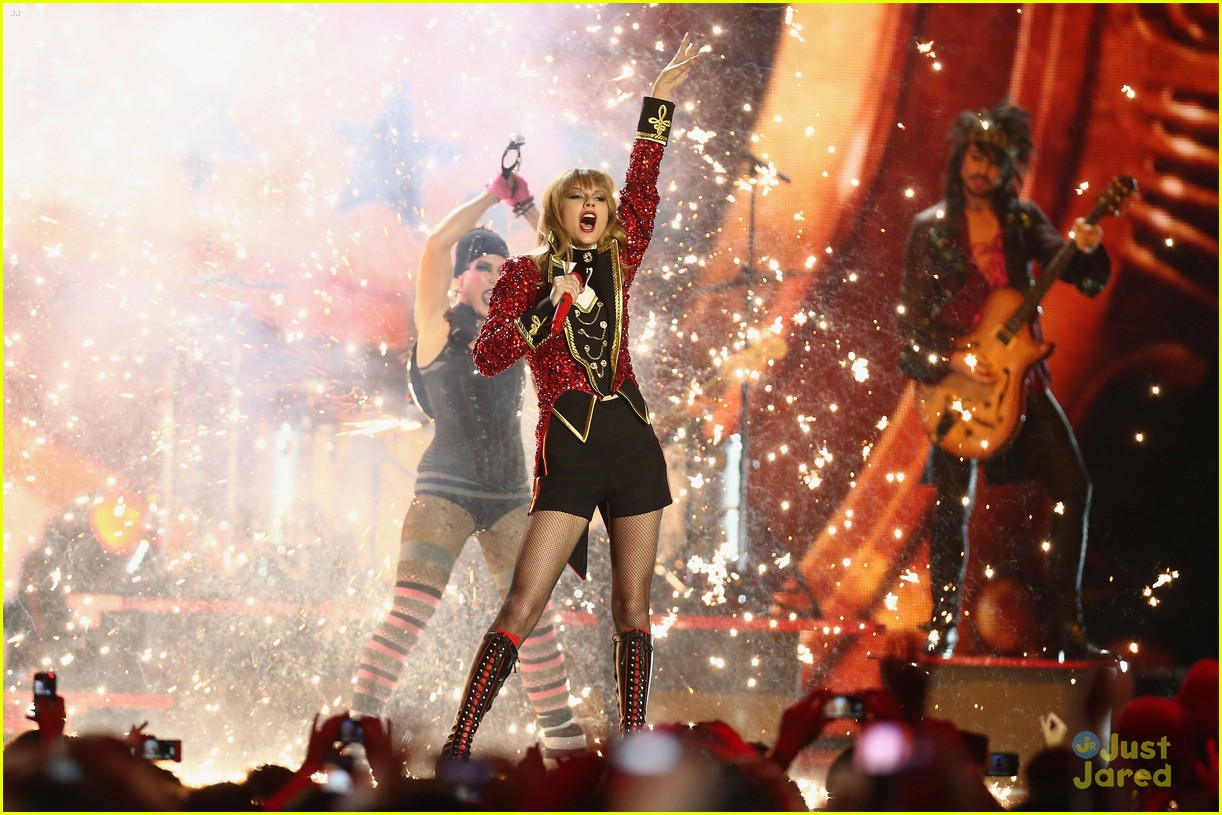 taylor swift 2012 mtv emas 26