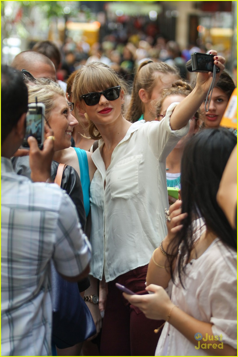 taylor swift sydney shopping spree 04