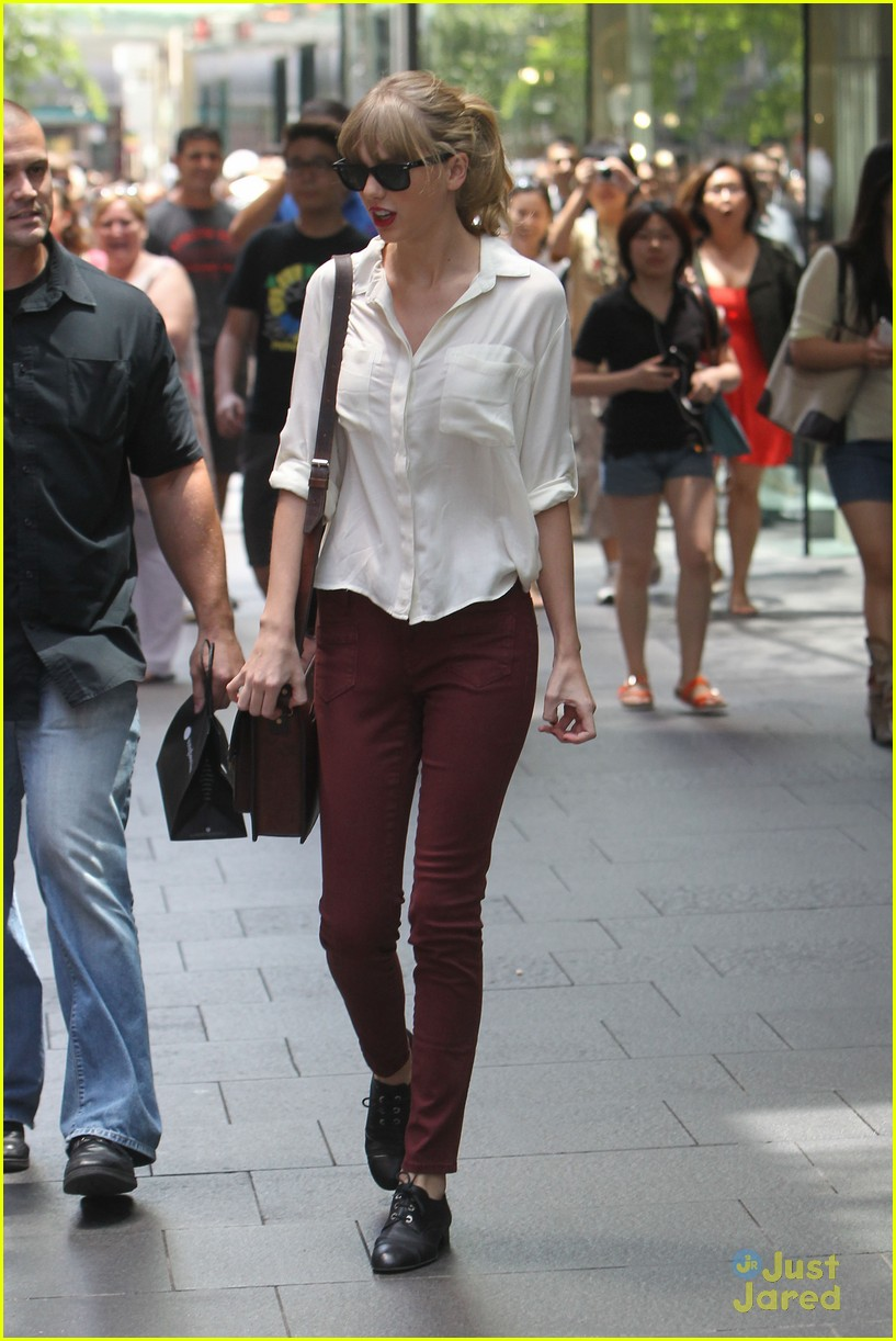 taylor swift sydney shopping spree 15