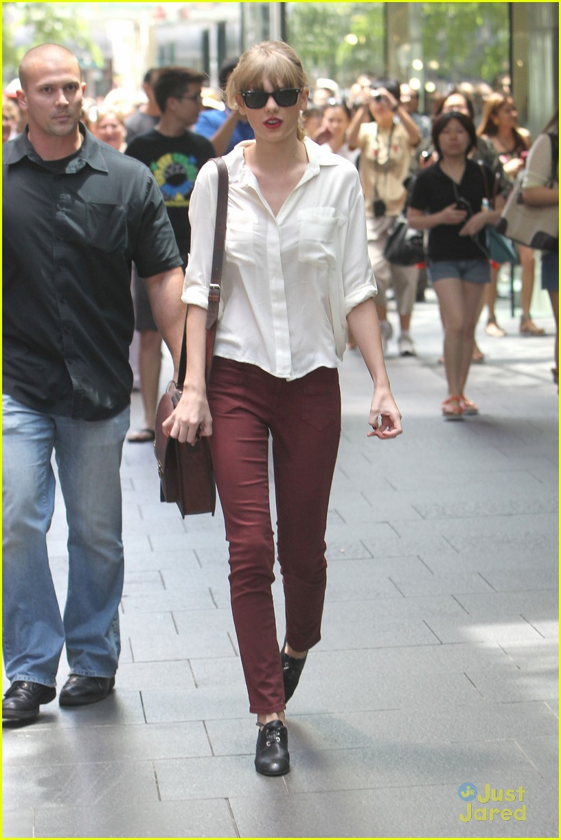 taylor swift sydney shopping spree 16