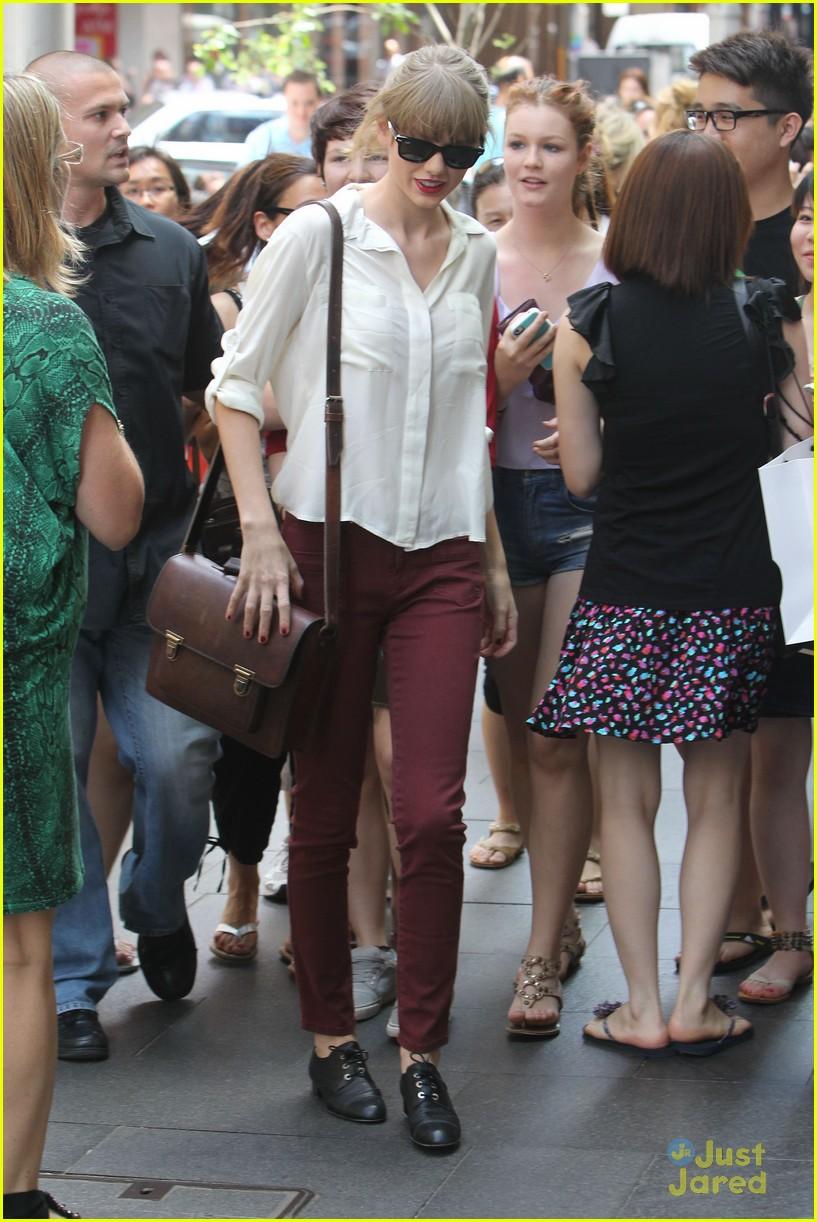 taylor swift sydney shopping spree 19