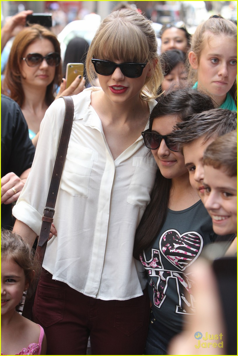 taylor swift sydney shopping spree 20