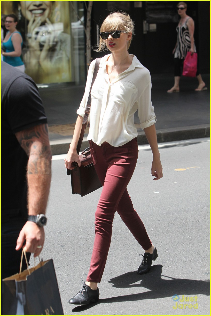 taylor swift sydney shopping spree 23