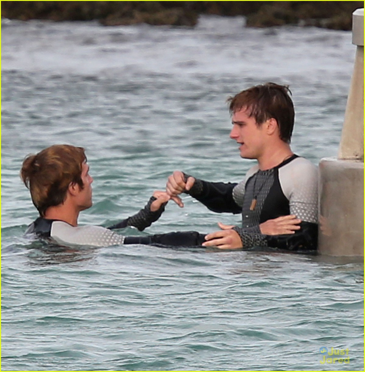 jennifer liam josh thg hawaii 09