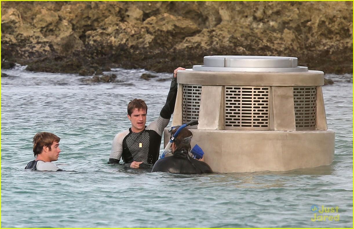 jennifer liam josh thg hawaii 12