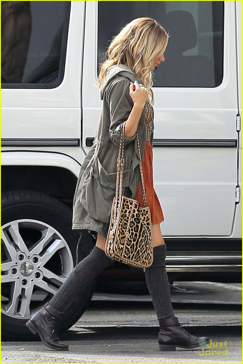 ashley tisdale leopard studs 03