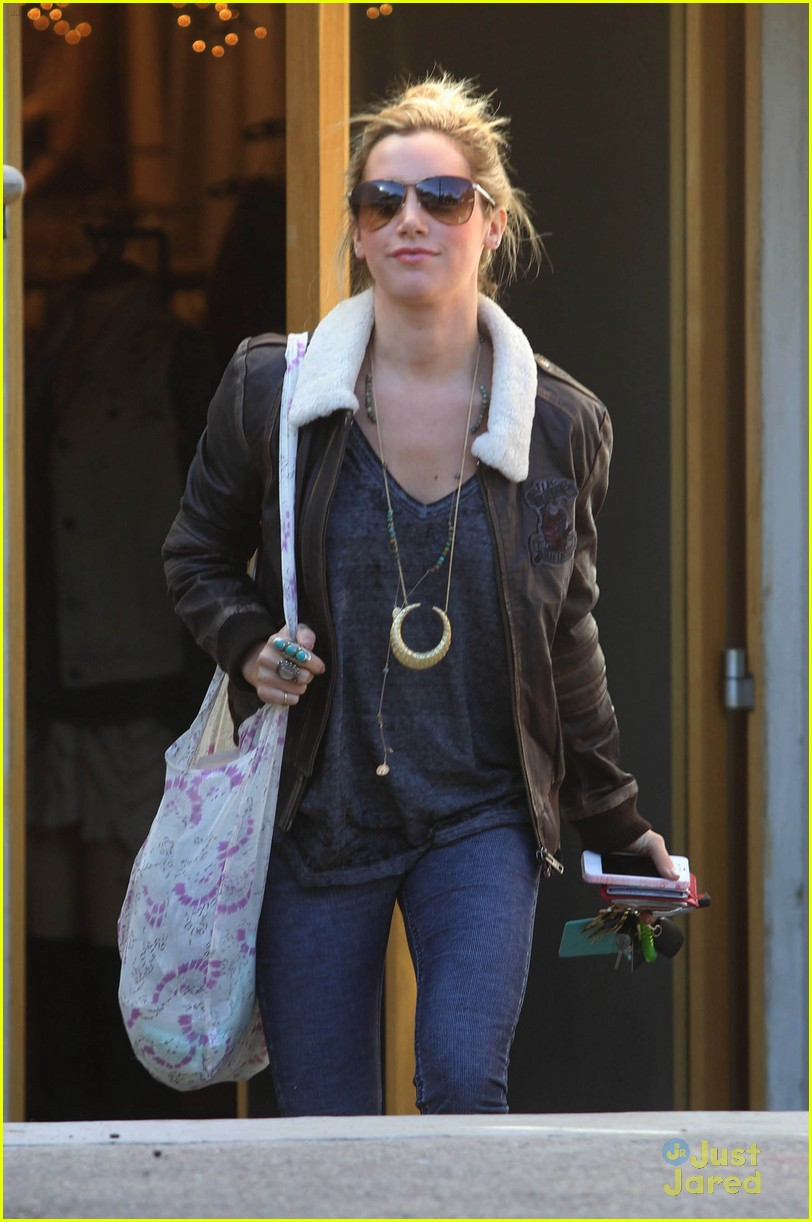 ashley tisdale free people stop 02