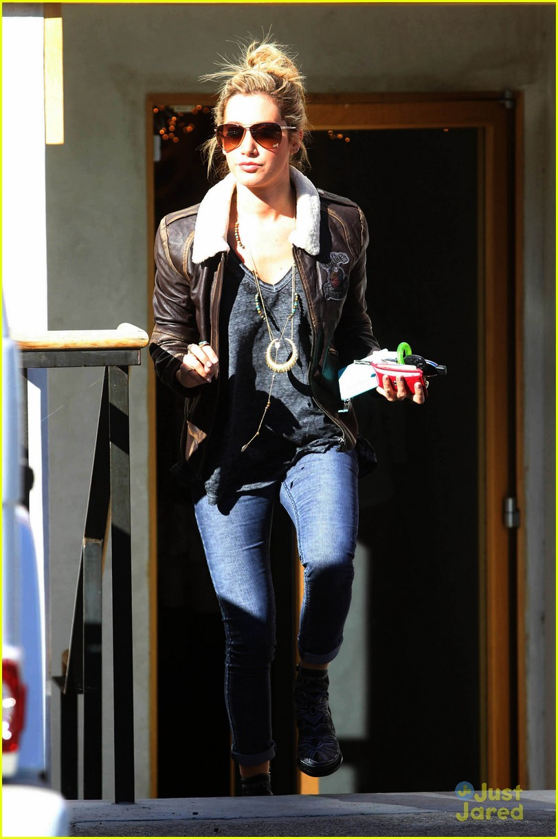 ashley tisdale free people stop 09