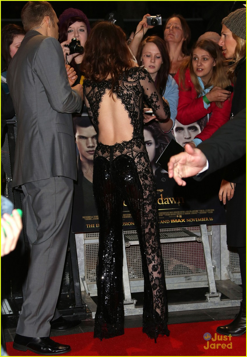 taylor kristen rob twilight uk premiere 12