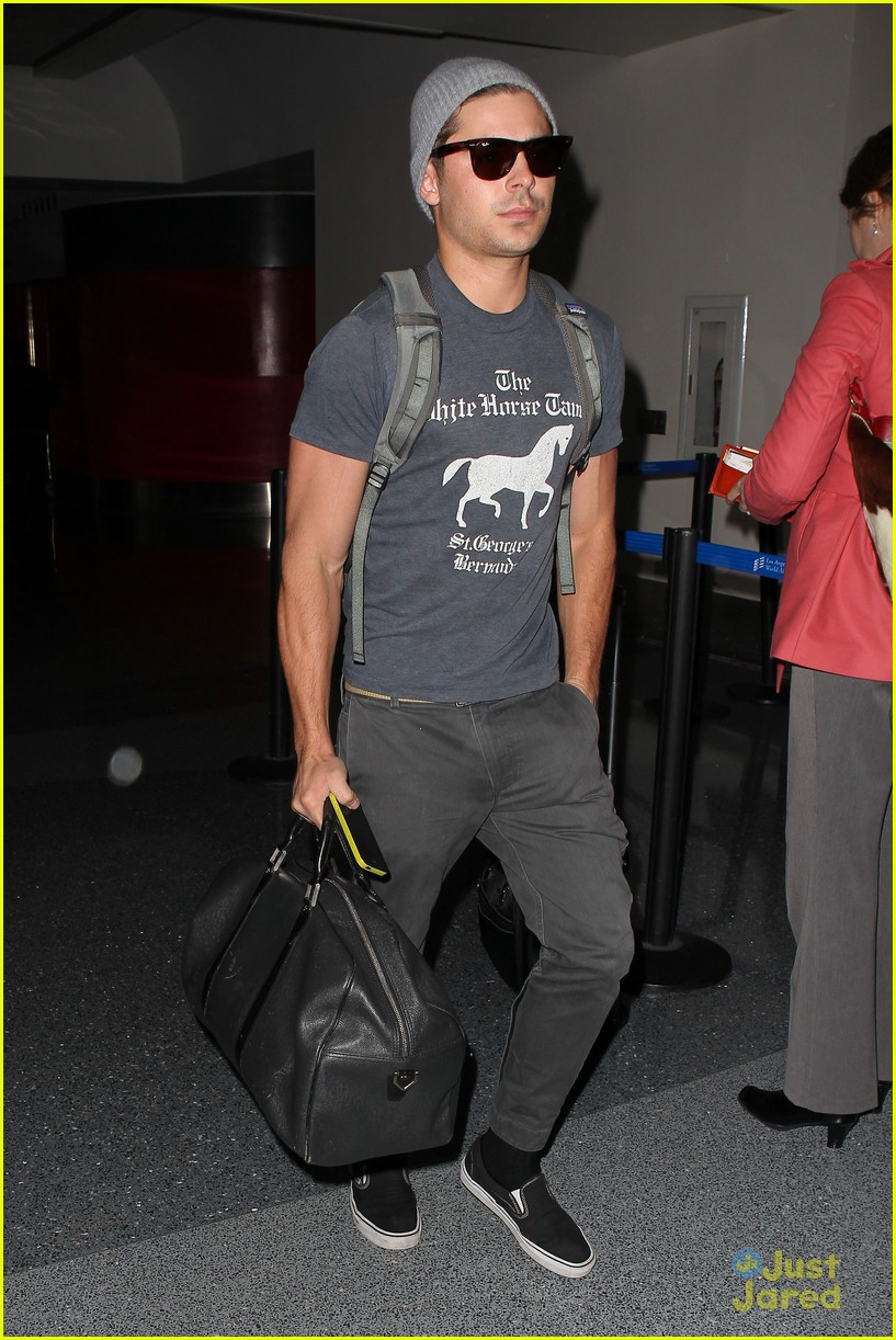 zac efron lax rainy goodbye 12