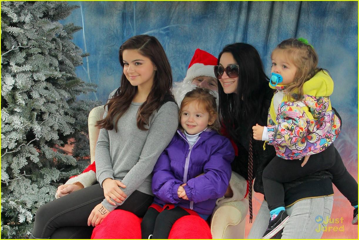 ariel winter santa visit 03