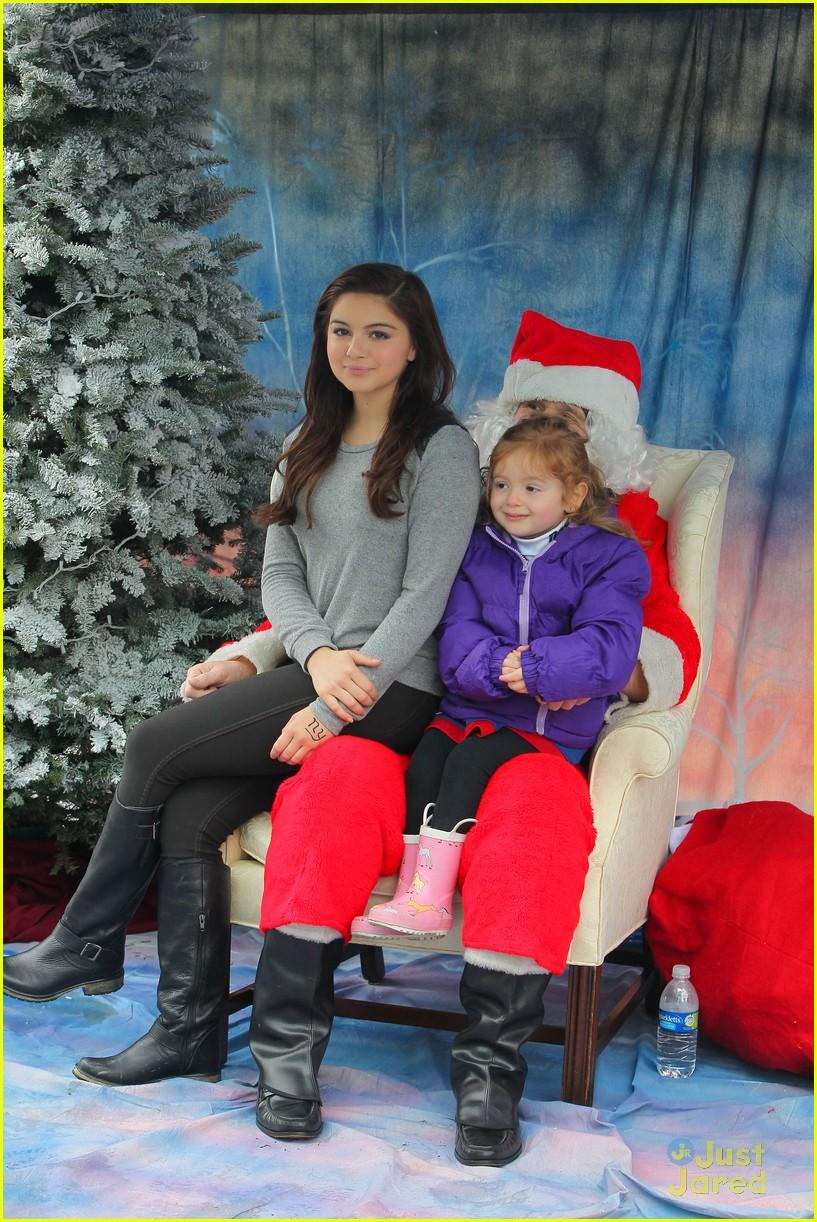 ariel winter santa visit 20