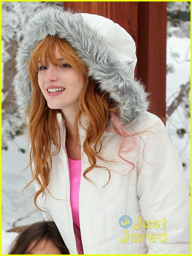 bella thorne tahoe snowball 02