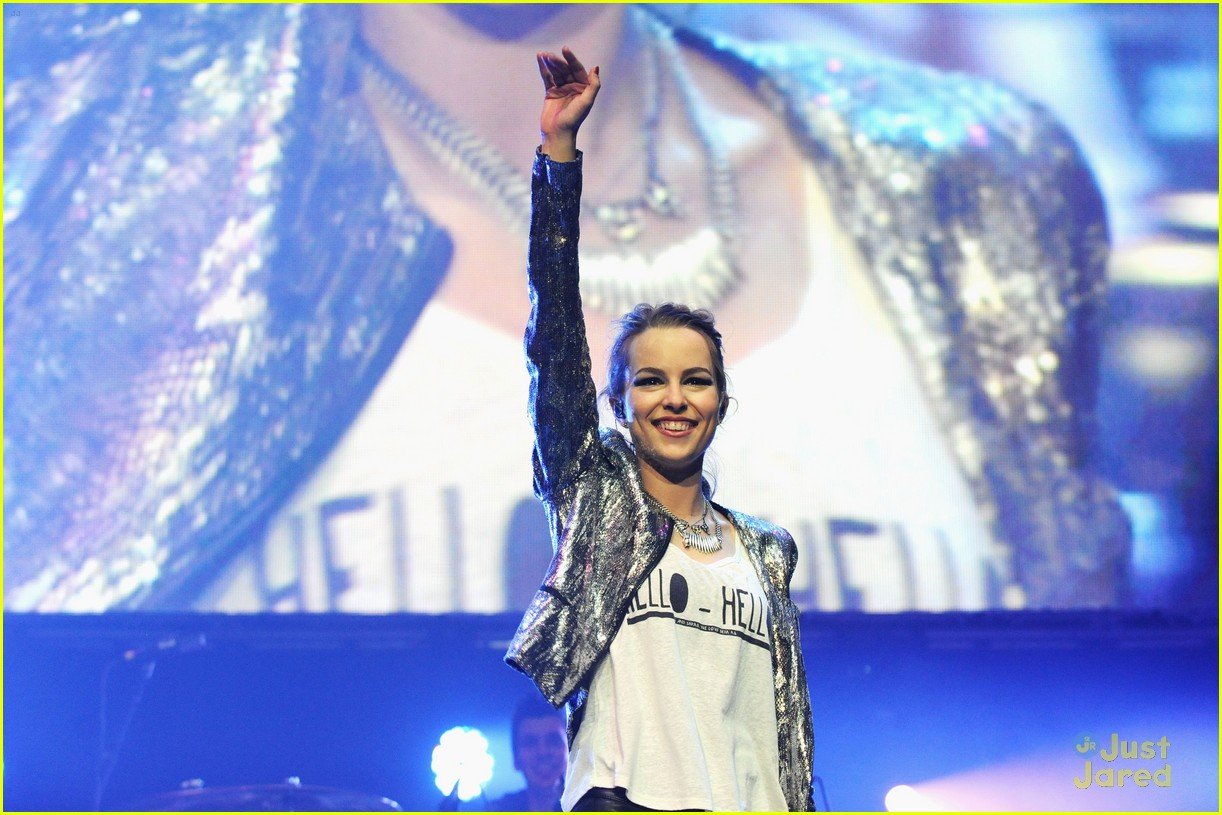 bridgit mendler power 961 jingle ball 01