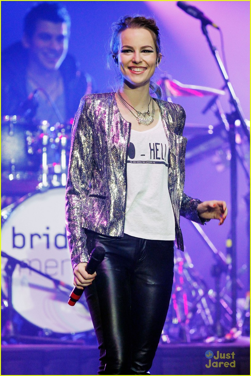 bridgit mendler power 961 jingle ball 19