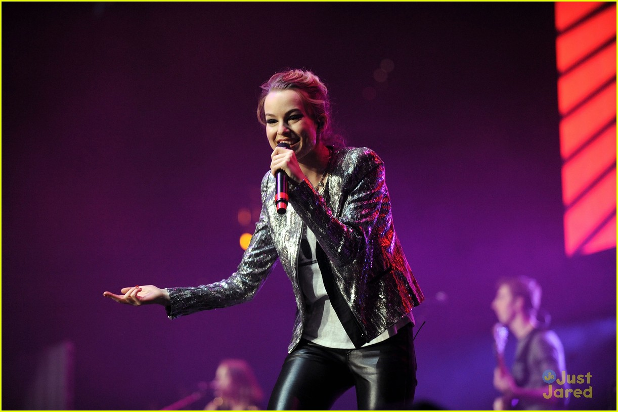 bridgit mendler power 961 jingle ball 20