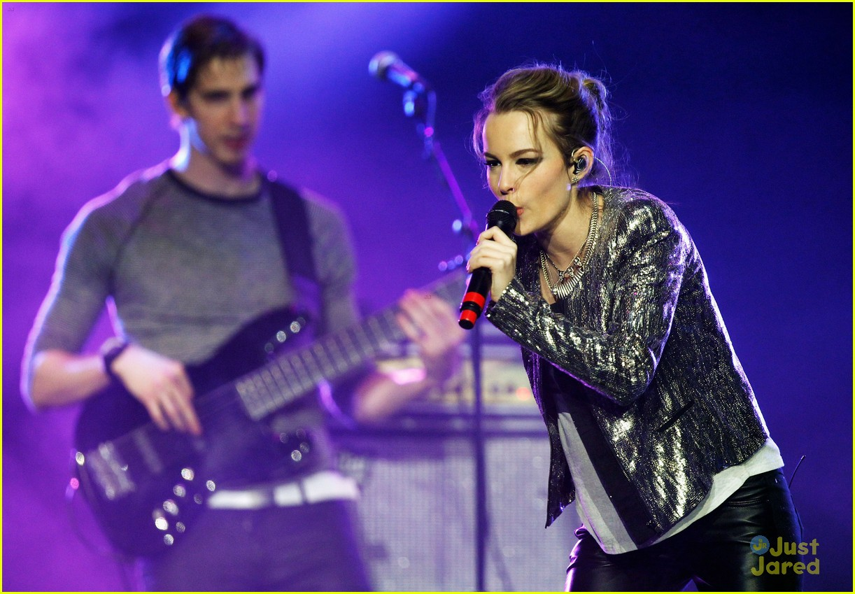 bridgit mendler power 961 jingle ball 30