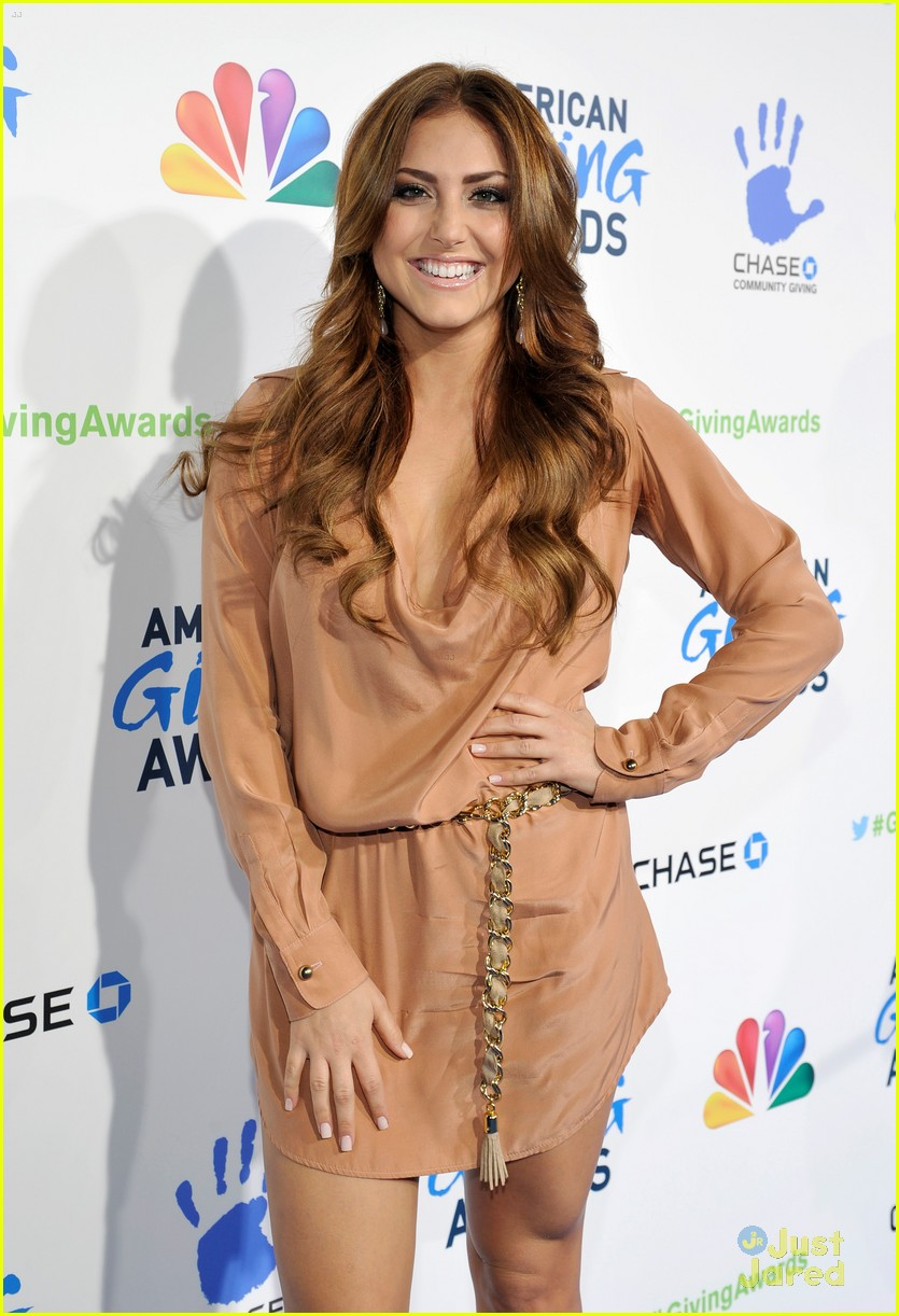 cassie scerbo giving awards 04