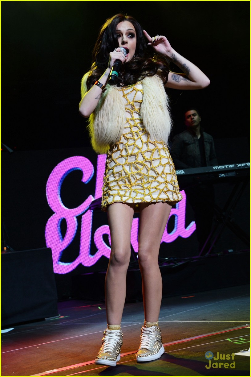 cher lloyd q102 jingle ball 05