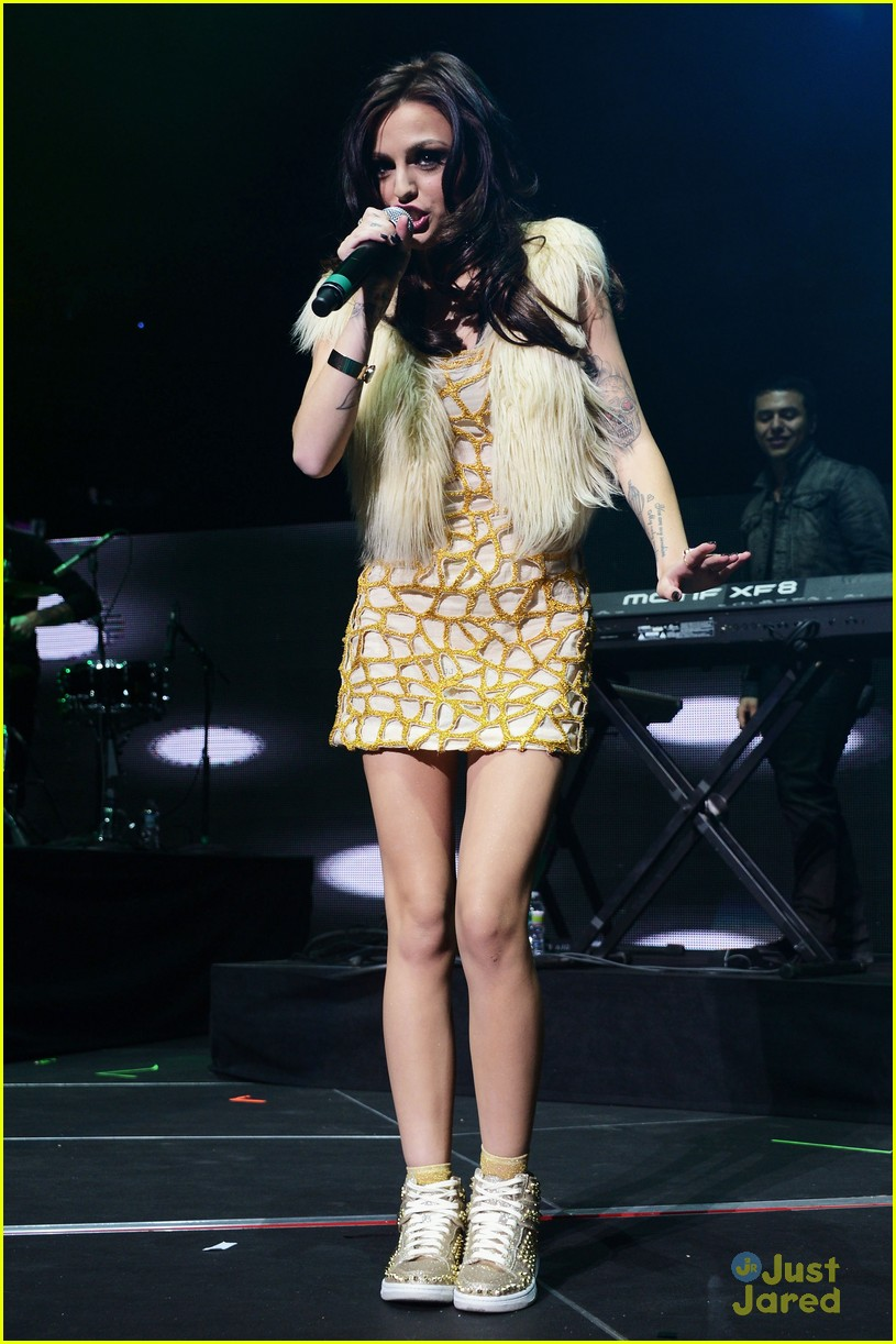 cher lloyd q102 jingle ball 14