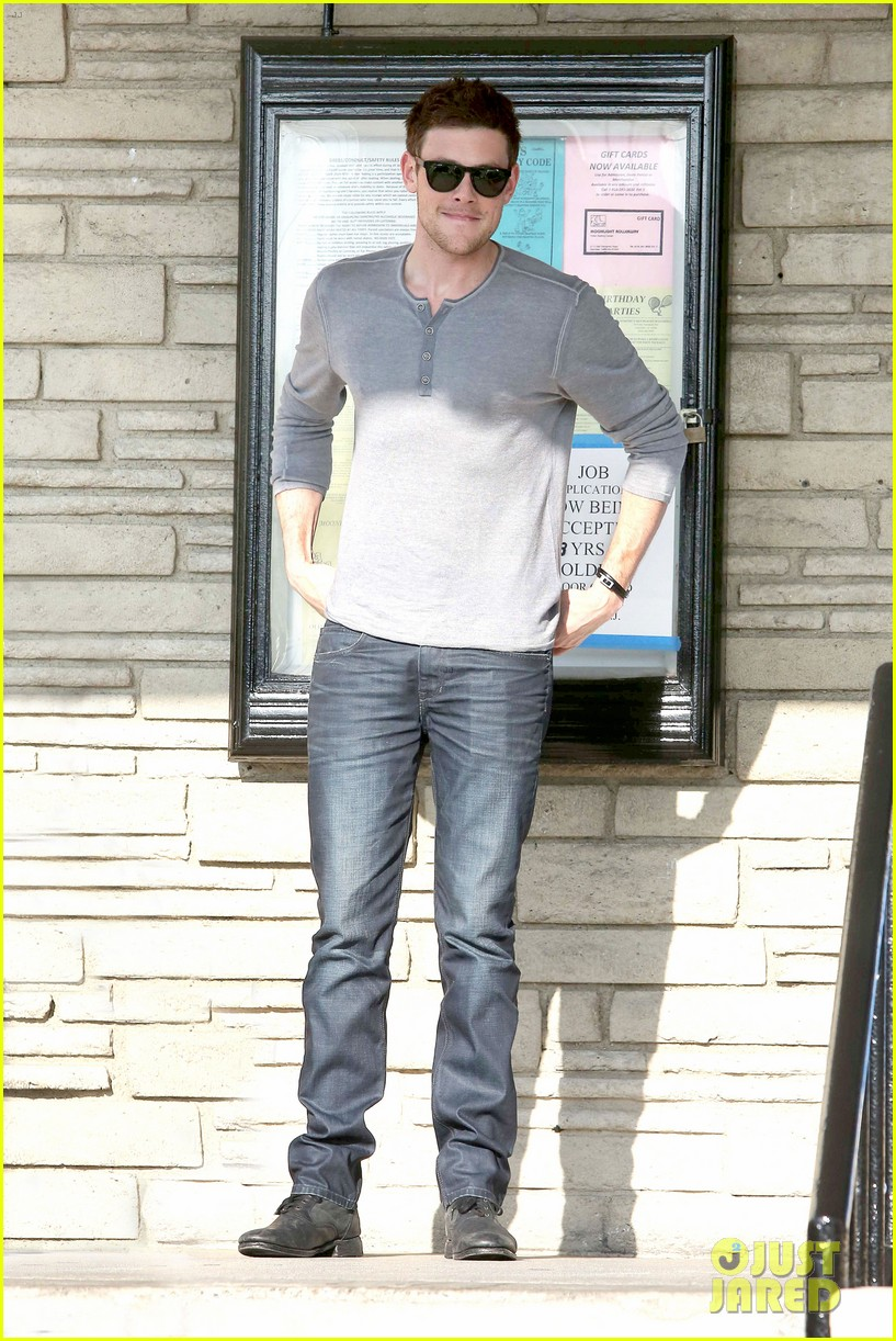 cory monteith skating in burbank 08