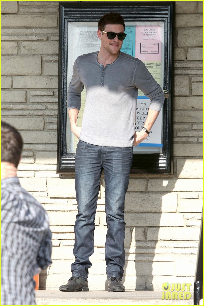 cory monteith skating in burbank 15