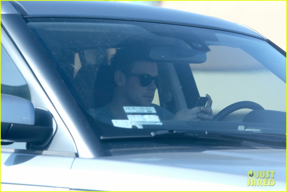 cory monteith skating in burbank 16
