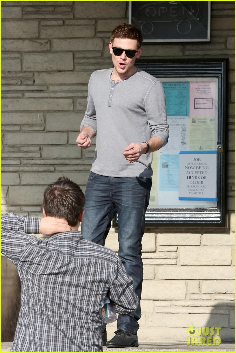 cory monteith skating in burbank 17