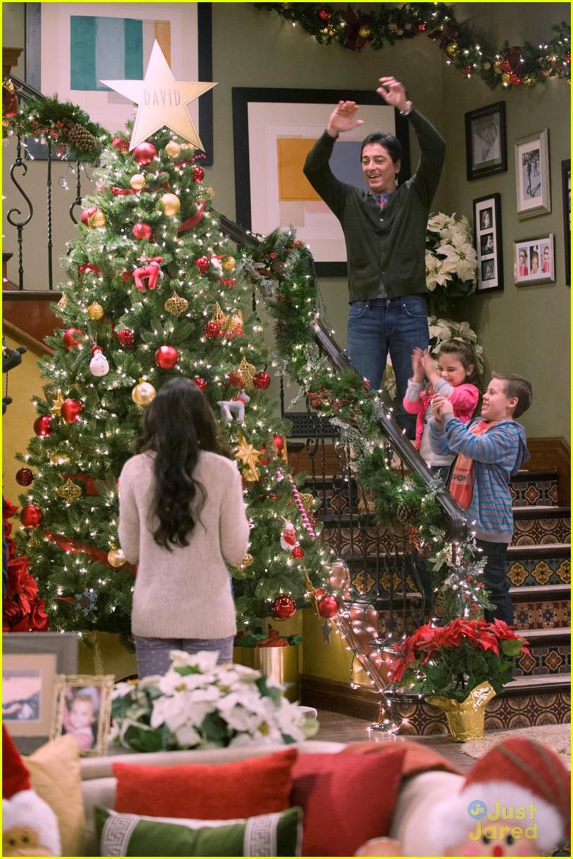 Newman Christmas Trees.Ryan Newman See Dad Run Christmas Into The Ground Pics