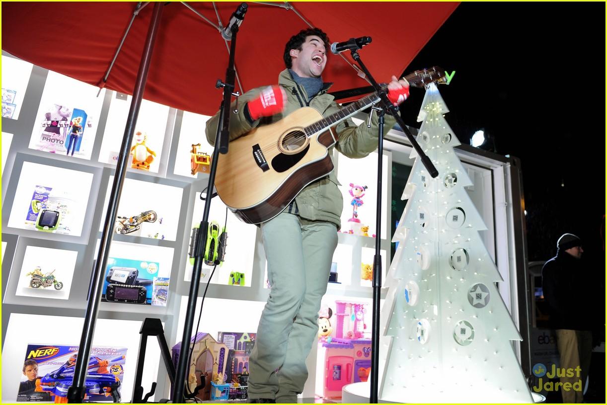 darren criss ebay holiday concert 05