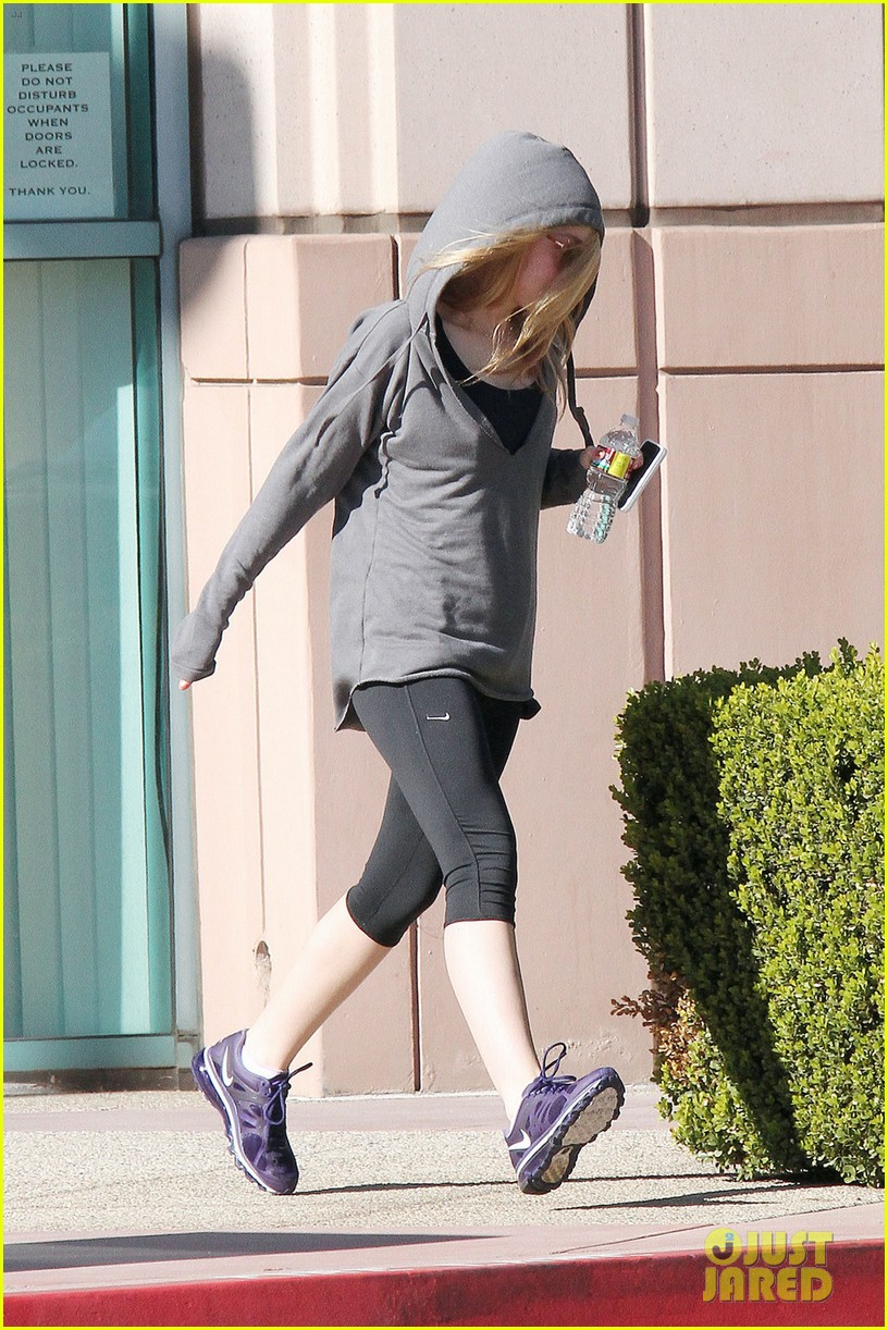dakota fanning workout class 05