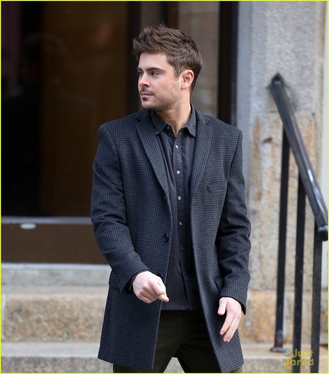 zac efron dating filming 05