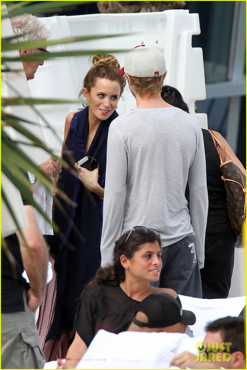 tom felton jade olivia lunch in miami 07