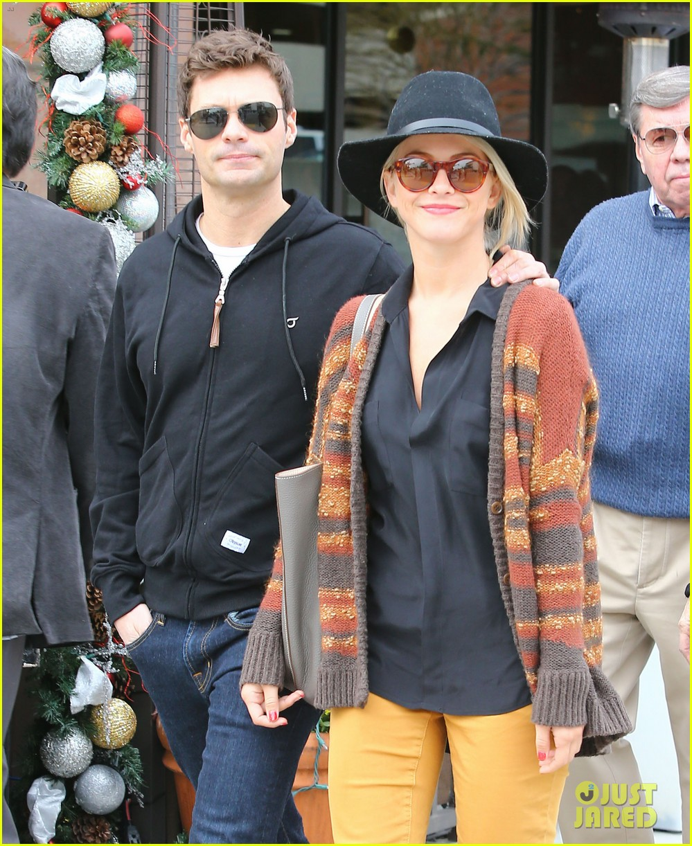 julianne hough ryan seacrest parents 11