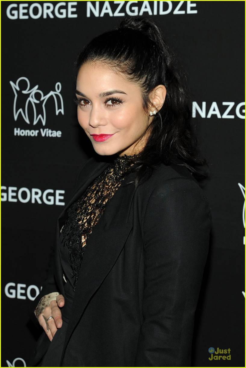 vanessa hudgens charity meets fashion holiday celebration 02