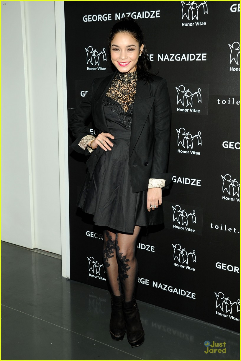 vanessa hudgens charity meets fashion holiday celebration 11