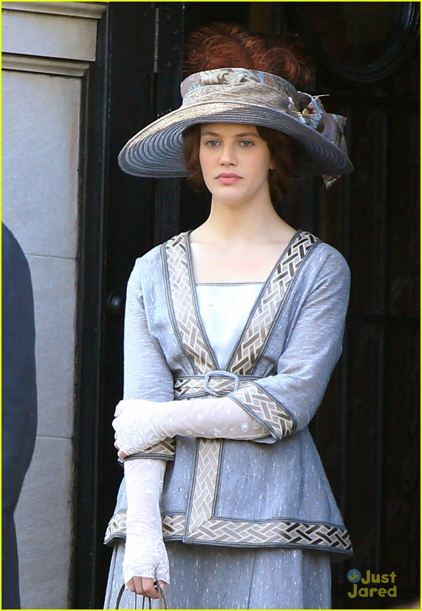 jessica brown findlay winters tale filming 04