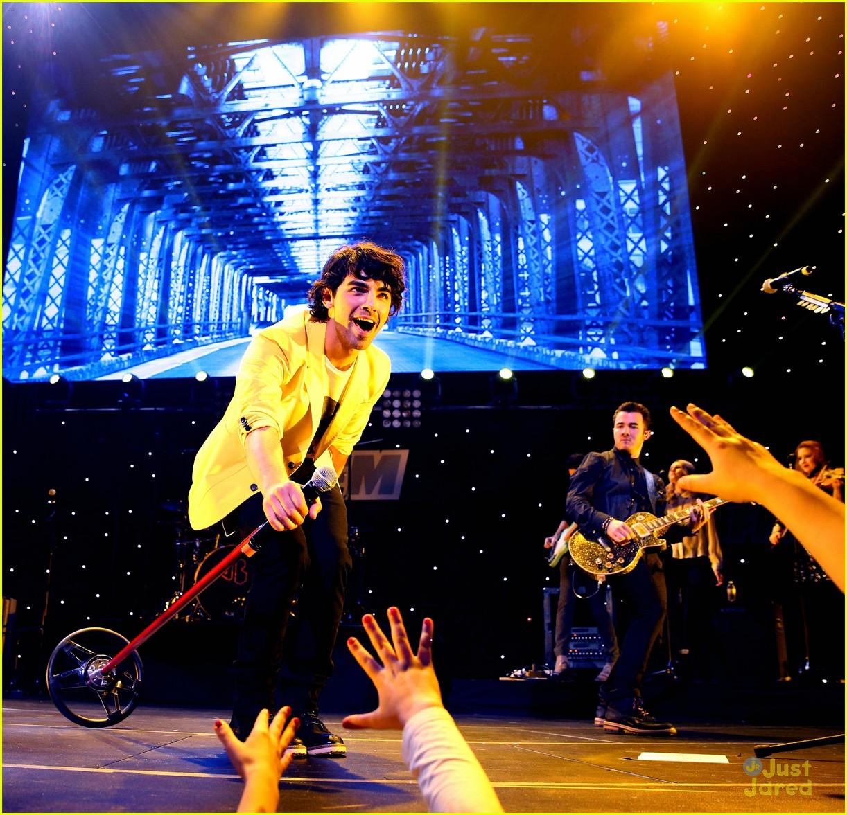 jonas brothers jingle ball 01