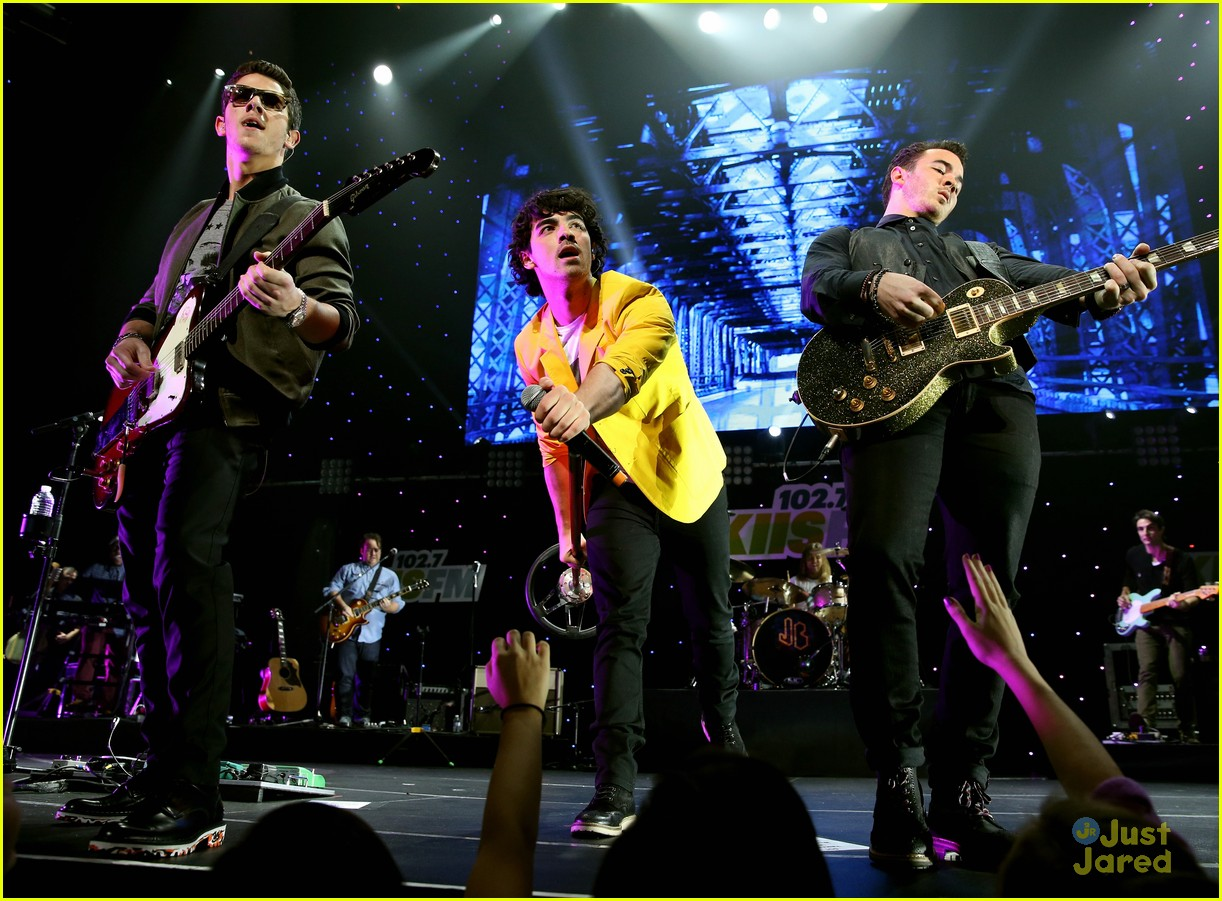 jonas brothers jingle ball 09