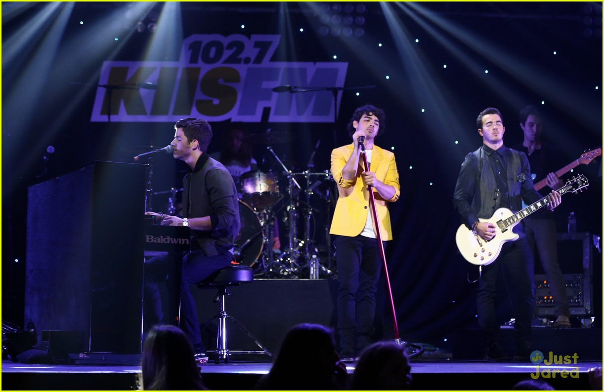 jonas brothers jingle ball 26