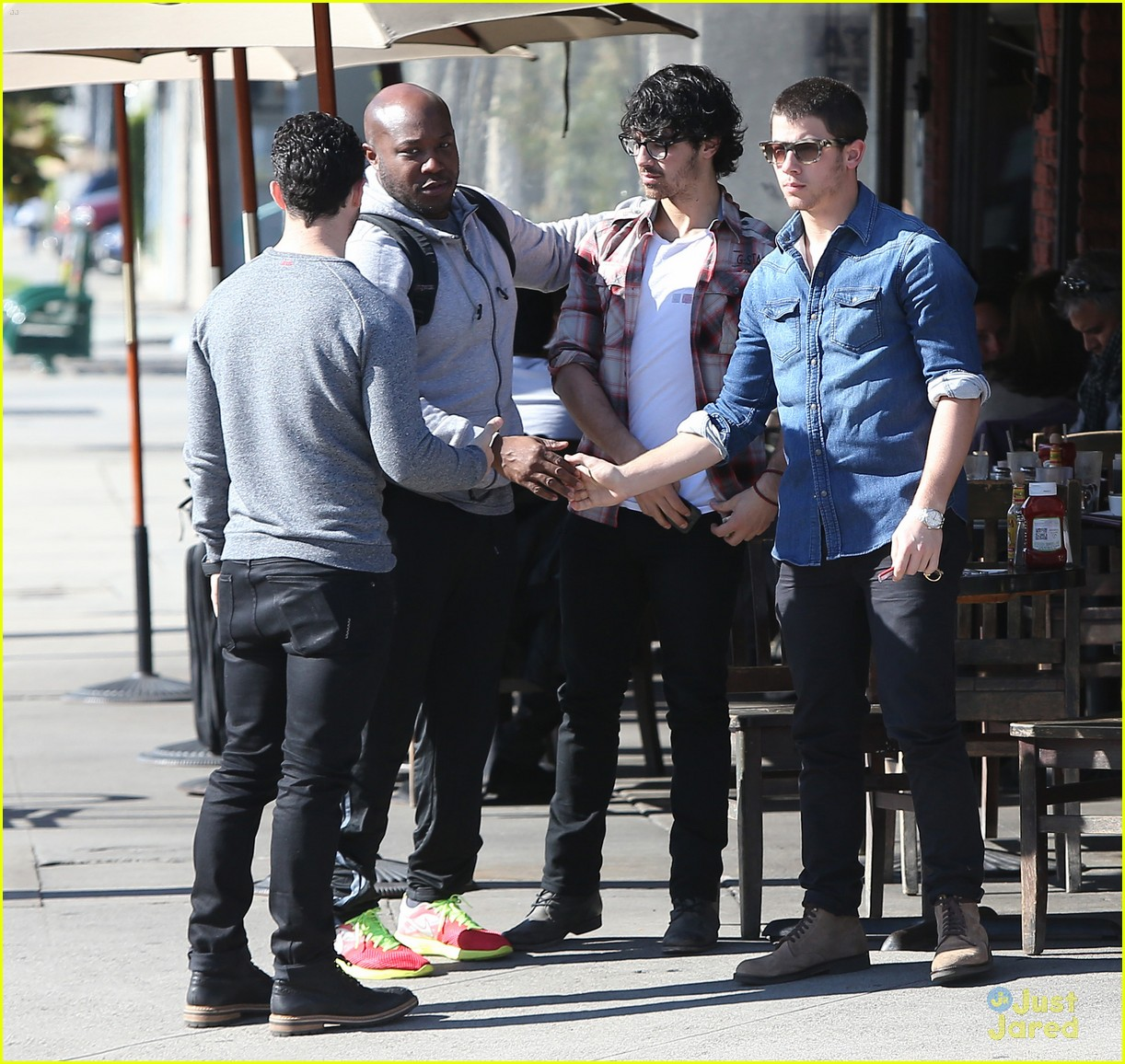 jonas brothers kings road lunch 04