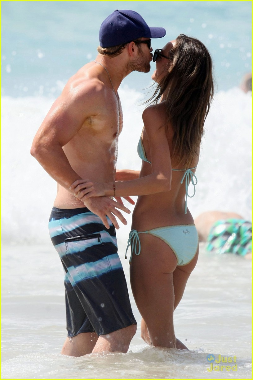 kellan lutz shirtless beach day with sharni vinson 10