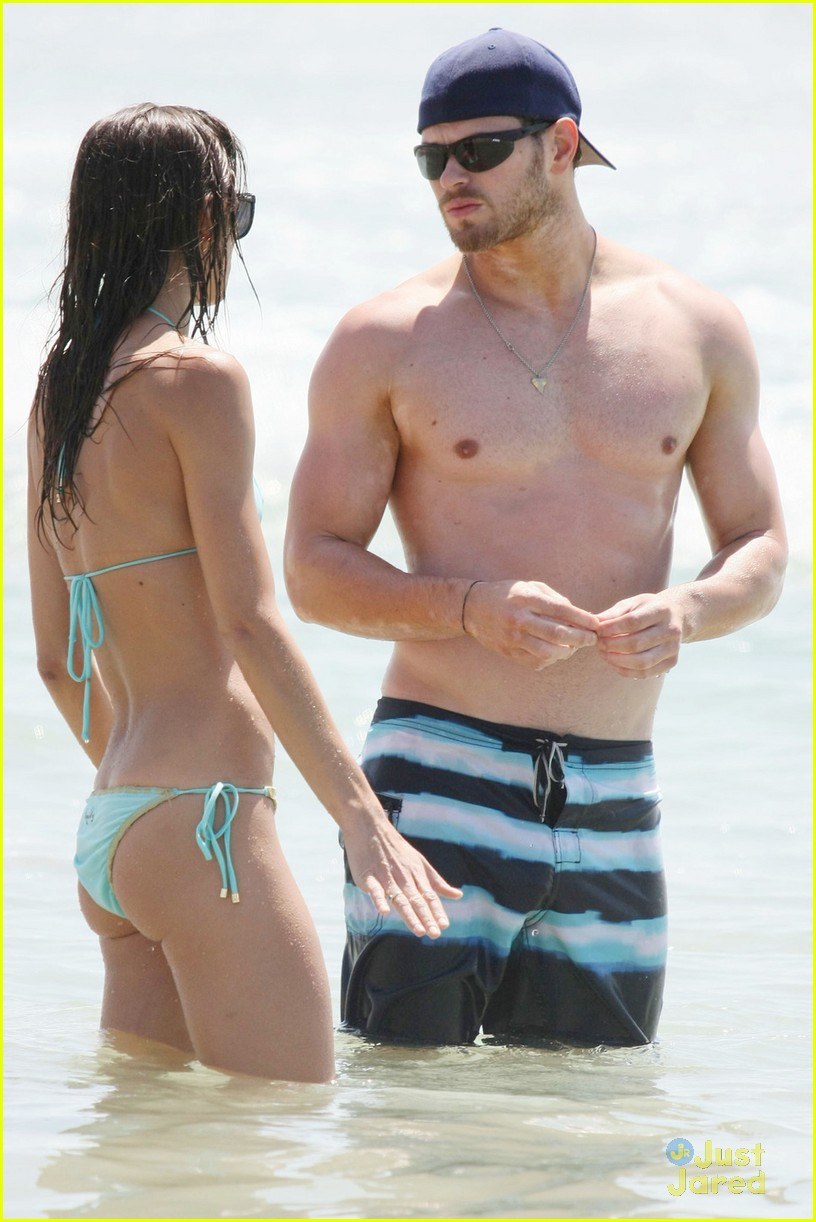 kellan lutz shirtless beach day with sharni vinson 19