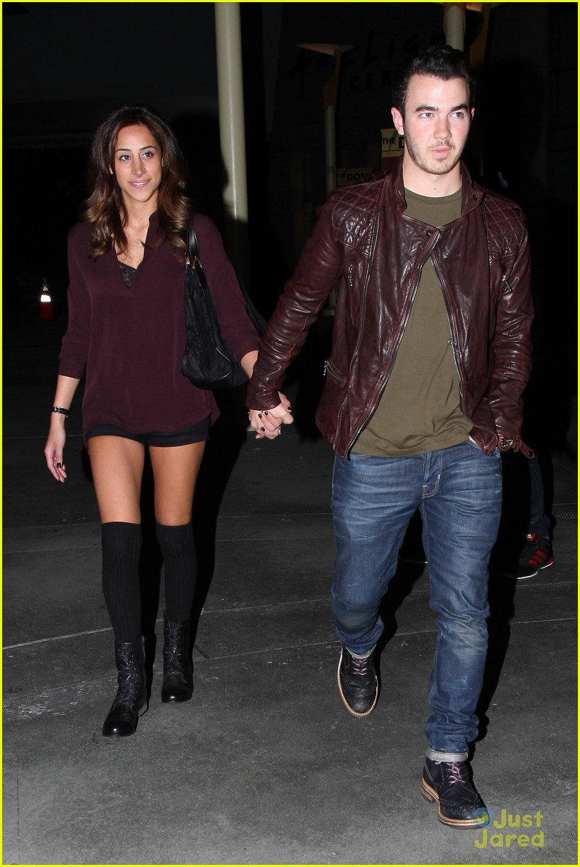 kevin danielle jonas movie date 01