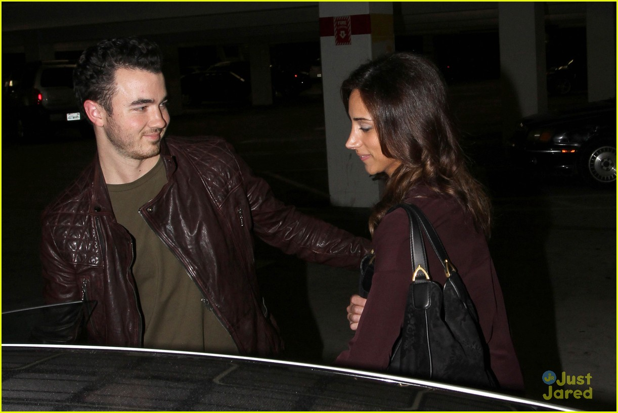 kevin danielle jonas movie date 04