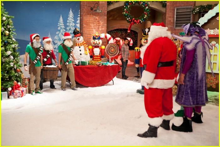 kickin it christmas nuts stills 03